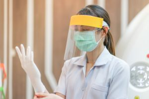 Copperas Cove dentist puts on personal protective equipment in COVID-19